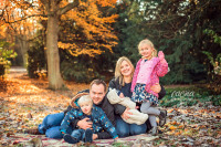 outdoor family photo shoot, family photography in Gateshead, baby photography in Newcastle, Saltwell Park